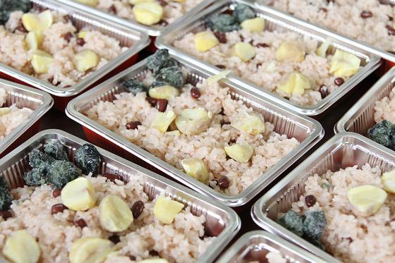 特注品の「栗と小豆のご飯」