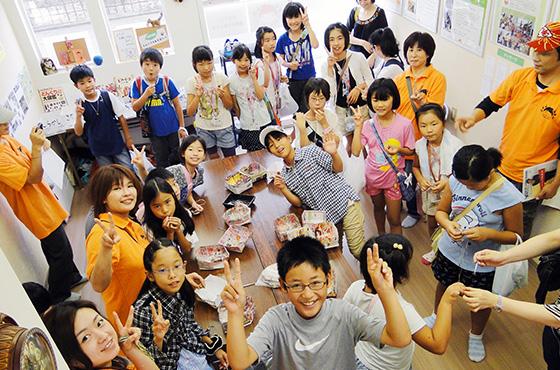 のはらっこ環境寺子屋に集まるたくさんの子どもたち
