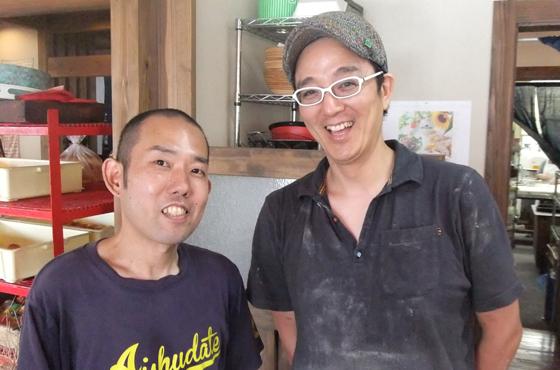 左側に青木さん、右側に鈴木さん