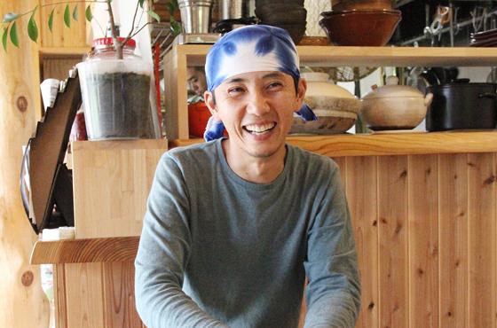 自然食農家レストラン三心五観 代表藤本傑士さん