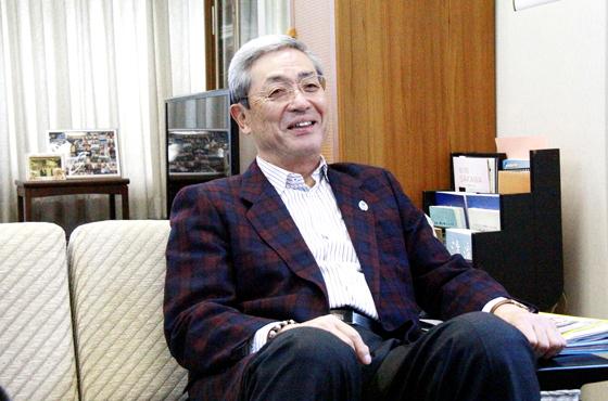 写真:加古川市スポーツネットワーク委員会会長大辻利弘さんバストアップ