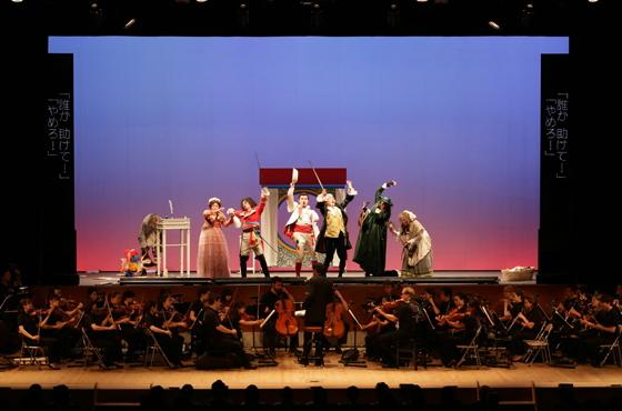 写真:上演中のオペラ