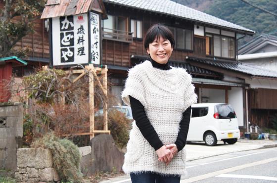 写真:NPO法人たじま海の学校副代表今井ひろこさん全身写真