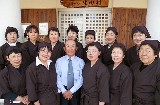 写真:田村さんが撮影した、そばカフェの仲間たち