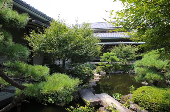 芦屋ゆかりの文豪・谷崎潤一郎の遺品や自筆原稿などを展示する谷崎潤一郎記念館