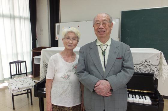 65年の音楽生活を支えた妻 良子さん
