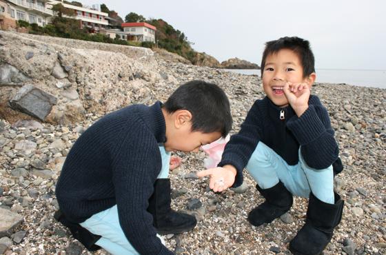 たたみ岩に通じる海