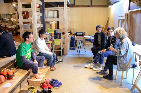 毎年関西大学のゼミ生が関西大学のサテライトスタジオとして、「佐治スタジオ」を訪れる。