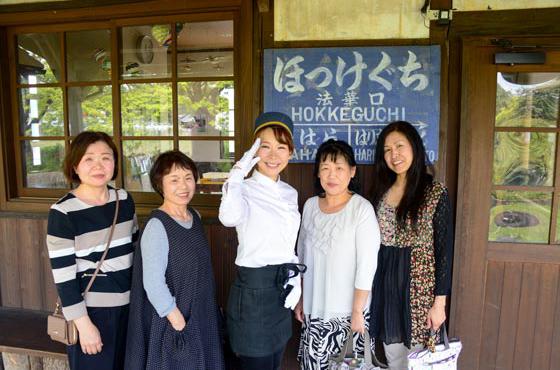 「来てくれた人を喜ばせたい」と、お客様にはいつも笑顔で応対される北垣さん。