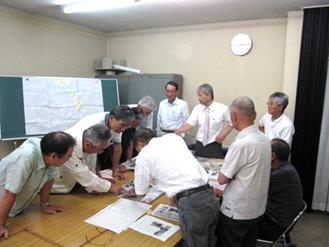 景観形成について検討中の会議の様子。わが町の今後のあり方について熱心な議論が続いた。