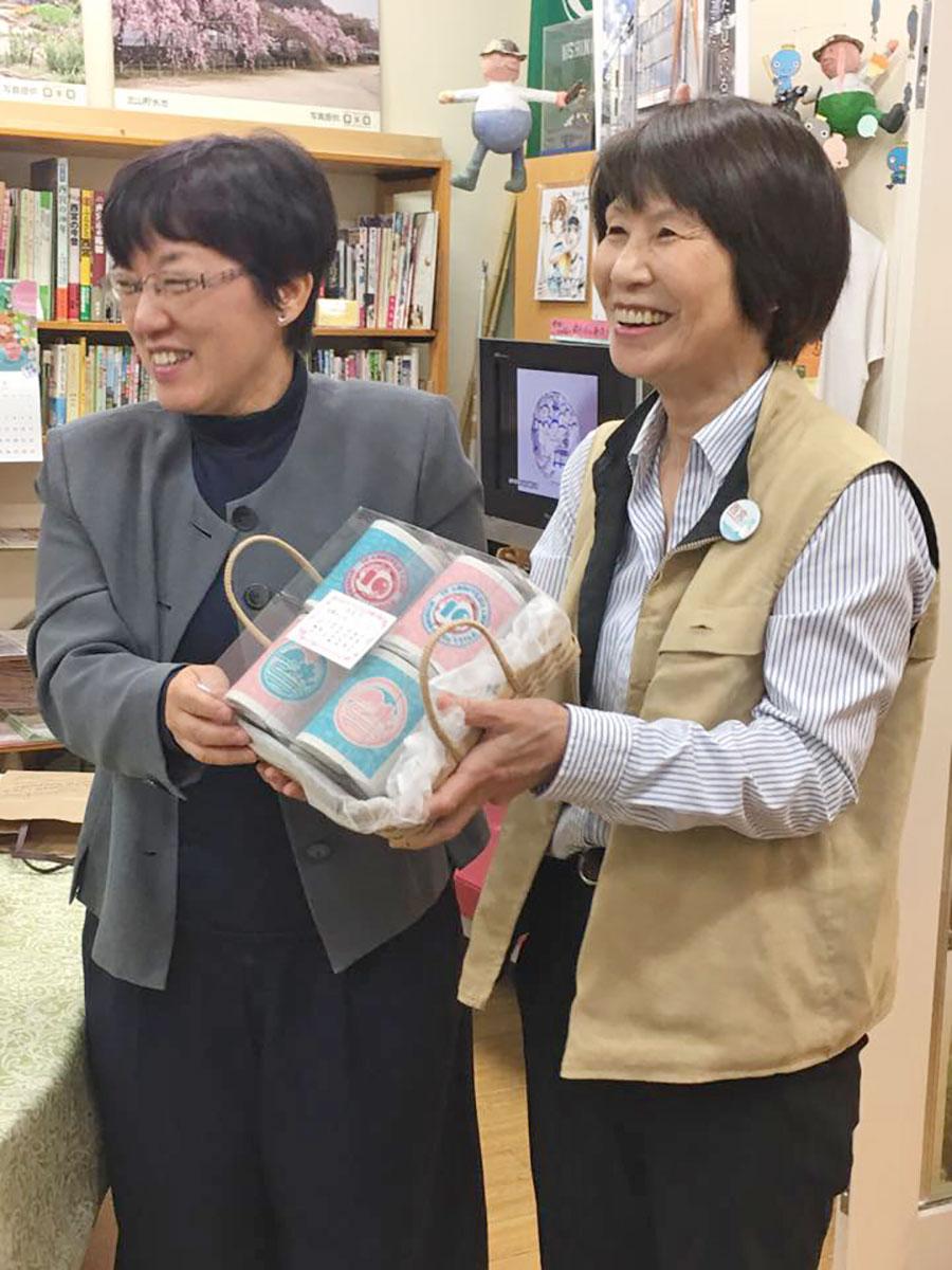 記者の岡本さんとサイト運営担当の木下さん、開設以来のコンビ。