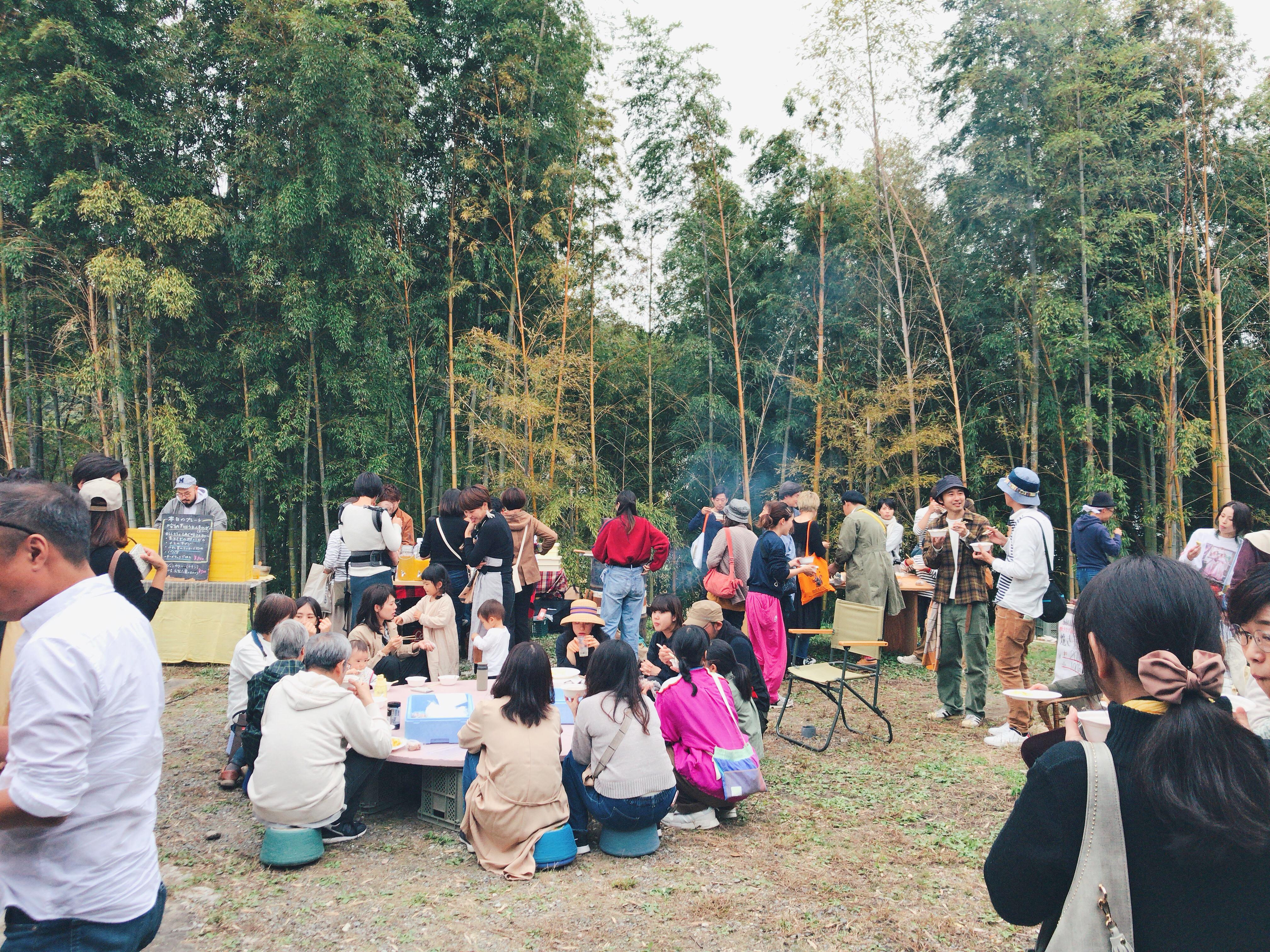 毎年11月に開く「収穫フェス」には、たくさんの人が集まり、綿花の収穫やライブ、ワークショップなどを楽しむ。